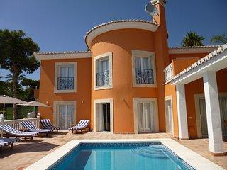 Beautiful villa with panoramic views and pool - La Cala de Mijas vacation rentals