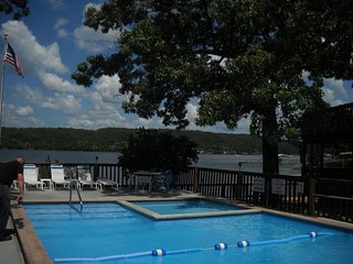 King 1br/Queen Sofa Sleeper - Gorgeous Lake View - Osage Beach vacation rentals