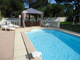 Brand new semi detached gite with shared pool. - Vidauban vacation rentals