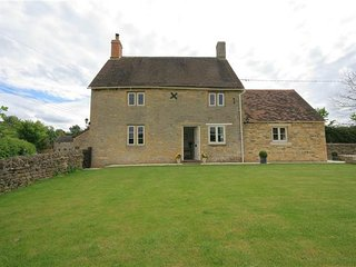 Shepherds Cottage, Foscot,classic Cotswold Cottage - Bledington vacation rentals