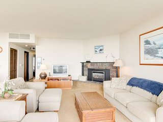 Oceanfront condo w/ 5th floor views, pool & sauna access! - Seaside vacation rentals