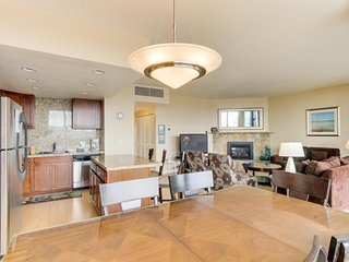 Bright fifth-floor condo with shared pool & beach access - Seaside vacation rentals