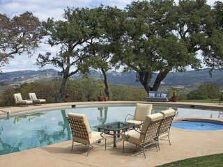Sprawling Sonoma Valley Vineyard Estate – Stunning Valley Views & Pool - Glen Ellen vacation rentals
