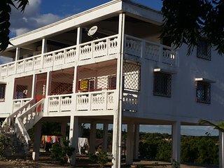 Villa Blanche - Location vacances - Bord mer- - Mahajanga vacation rentals