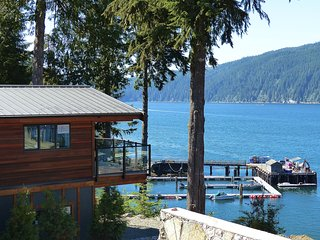 #110 Sue's Zen / 4BR / Oceanfront / Pet Friendly - Port Renfrew vacation rentals