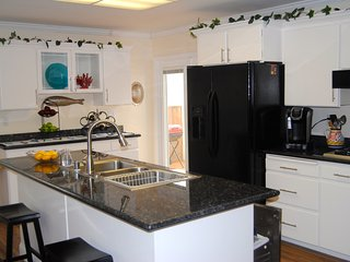 3 bedroom House with Internet Access in Seaside - Seaside vacation rentals