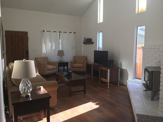 Gorgeous House with Internet Access and Satellite Or Cable TV - Citrus Heights vacation rentals