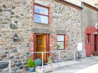 SURPRISE VIEW , pet friendly, character holiday cottage, with open fire in Ravenglass, Ref 10189 - Ravenglass vacation rentals