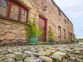 LITTLE CHANTRY, romantic retreat, pet-friendly, WiFi, Kirkby Stephen, Ref 941794 - Kirkby Stephen vacation rentals
