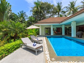 Baan Timbalee - Sleeping for 6 with private pool - Mae Nam vacation rentals
