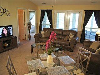 Terrific Condo Near The Strip, WIFI, Bubble Tub, Pool ( D-11) - Branson vacation rentals