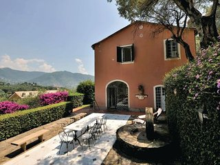 3 bedroom Villa in S. Margherita Ligure, Riviera Di Levante, Italy : ref 2279904 - San Michele di Pagana vacation rentals