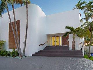Villa Esmeralda- 4 bedrooms + 4 bathrooms - Miami vacation rentals