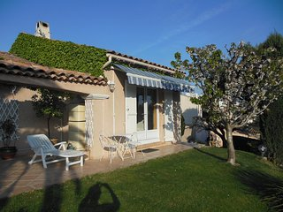 T1 en duplex limitrophe Marseille - Septemes-les-Vallons vacation rentals
