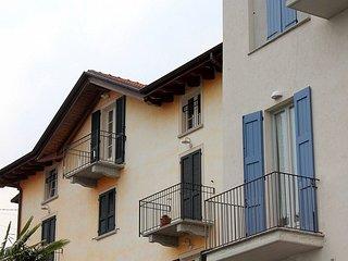 Charming 2 bedroom House in Mezzegra with Deck - Mezzegra vacation rentals