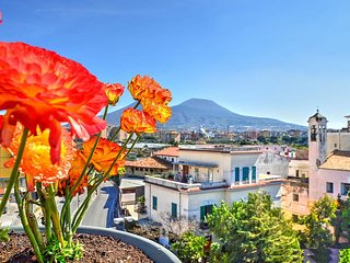 Charming 4 bedroom House in Napoli - Napoli vacation rentals