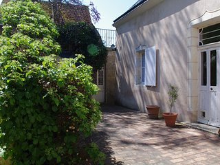 Very nice house for 6 to 8 people in Lavardin , classified village, overlooking the castle - Montoire-sur-le-Loir vacation rentals
