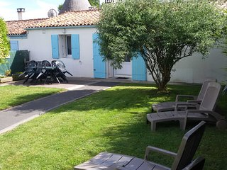 Nice Cottage with Internet Access and Satellite Or Cable TV - Arces Sur Gironde vacation rentals