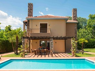4 bedroom Villa with A/C in Paralia Panteleimonos - Paralia Panteleimonos vacation rentals