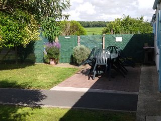 Beautiful Gite with Internet Access and Satellite Or Cable TV - Arces Sur Gironde vacation rentals