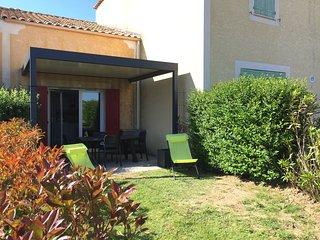 Maison climatisée au bord du canal du midi 4 pers - Béziers vacation rentals