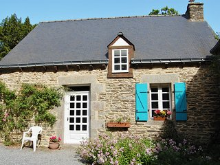 Charming Gite with Internet Access and Television - Rohan vacation rentals