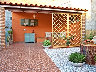 Nice Townhouse with Internet Access and A/C - Reguengos de Monsaraz vacation rentals
