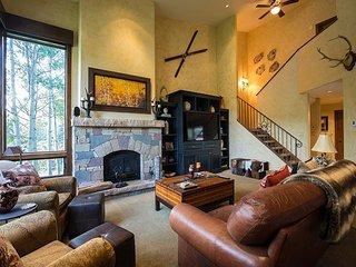 Mountain-View Alpine Retreat – Near Skiing, Access to Pool - Vail vacation rentals