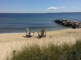2BR Cottage by the Sea in Woods Hole – Private Beach, Near Falmouth & Ferry - Woods Hole vacation rentals