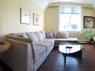 Upper Suite in house, walk to Downtown! 1bed + Den - Victoria vacation rentals