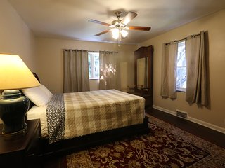 1000 s/f Two BR apt in Highland Square - Remodeled - Akron vacation rentals