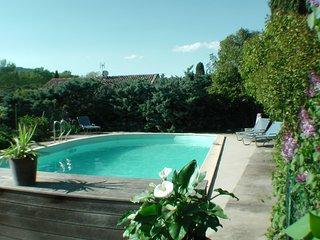 Le Moulin Des Ocres - Cyprès - Gîte - Piscine - Apt vacation rentals
