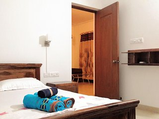 Riviera Sapphire 1 bedroom apartment upto 5 guests - Siolim vacation rentals