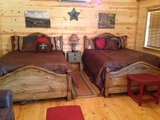 Kat's Kabin at Four Sisters Ranch - Utopia vacation rentals
