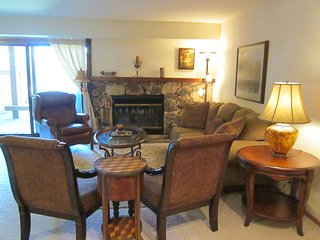 Spacious 2 Bed, 2 Bath in Elkhorn - Sun Valley vacation rentals