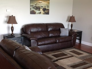 LUXURY LAKEFRONT CONDO  2br/2bath - Geneva on the Lake vacation rentals