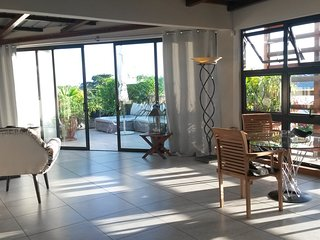 Atrium, central und ruhig Dachterrassenappartement - Grand Baie vacation rentals