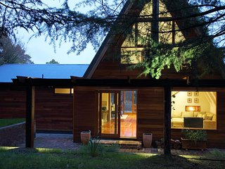Beautiful home on 2 private acres - Medlow Bath vacation rentals