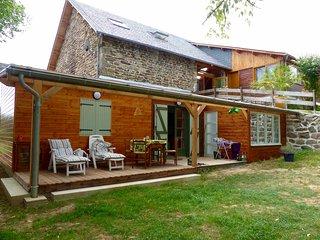 Gite avec piscine, sauna, jacuzzi, peche, chevaux - Egletons vacation rentals