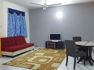 Anjung No 5 Bed and Breakfast KLIA - Banting vacation rentals