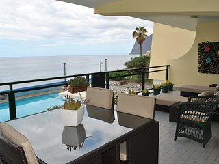 Beach & pool apartment in unique location - Funchal vacation rentals