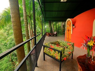 Tree Top Dome Honeymoon Suite - Quepos vacation rentals