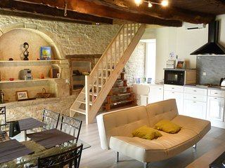 Self catering Cottage - Gite Les Faluns - Trefumel vacation rentals