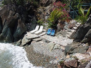 """BLUEBITCH One Price"" Oceanfront, SUV, Airport Shuttle, Beach ... - Cruz Bay vacation rentals"