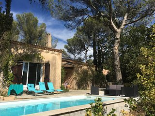 VILLA DE CHARME VUE CARTE POSTALE AIX 15mm/CASSIS - Fuveau vacation rentals