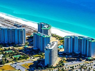 20% OFF March:PH5 Gulf View at BEACH FRONT Resort w/ Large Resort Pool & Spa! - Destin vacation rentals