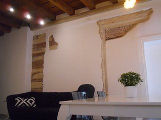 "Appartamento centro Verona ""Noblesse Apartment"" - Verona vacation rentals"