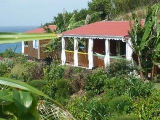 Bungalow de charme, piscine, pool house, accès mer - Le Moule vacation rentals