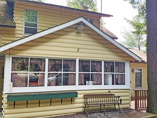 Beautiful Vacation Home on a Private Lake - Petersburg vacation rentals