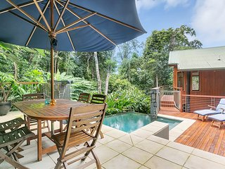 Wanggulay- Bali Style Luxury Cairns City - Cairns vacation rentals